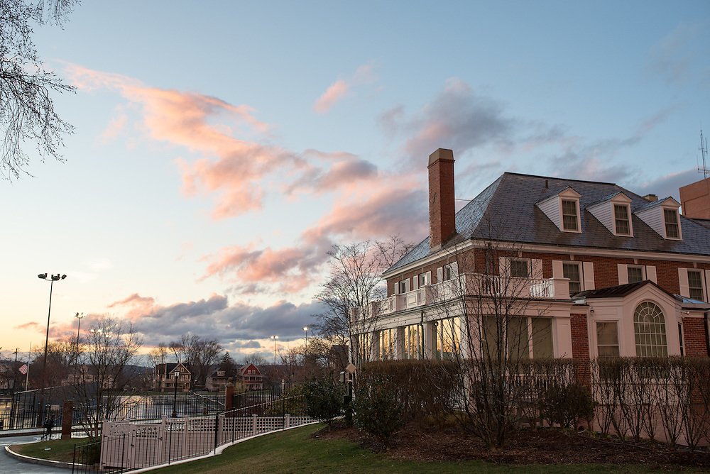 3/18/16 – Medford/Somerville, MA – Tufts campus at sunset on Friday, March 18, 2016. (Evan Sayles / The Tufts Daily