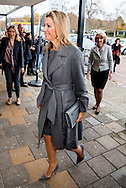 18-11-2016 VOORSCHOTEN - Koningin Maxima is vrijdag 18 november aanwezig bij de presentatie van het Jaarbericht 2016, de &lsquo;Staat van het MKB&rsquo; van het Nederlands Comit&eacute; voor Ondernemerschap en Financiering. De presentatie vindt plaats in Voorschoten op de &lsquo;Dag van de Ondernemer&rsquo;. Koningin Maxima is aanwezig in haar hoedanigheid van lid van het Comit&eacute;. in slagerij Van Eijk. COPYRIGHT ROBIN UTRECHT<br /> <br /> 18-11-2016 VOORSCHOTEN - Queen Maxima is Friday, November 18th attended the presentation of the Annual Report 2016, the &quot;State of the SMEs of the Dutch Committee for Entrepreneurship and Finance. The presentation will take place in Voorschoten on the 'Day of the Entrepreneur. &quot; Queen Maxima is present in her capacity as a member of the Committee. COPYRIGHT ROBIN Utrecht