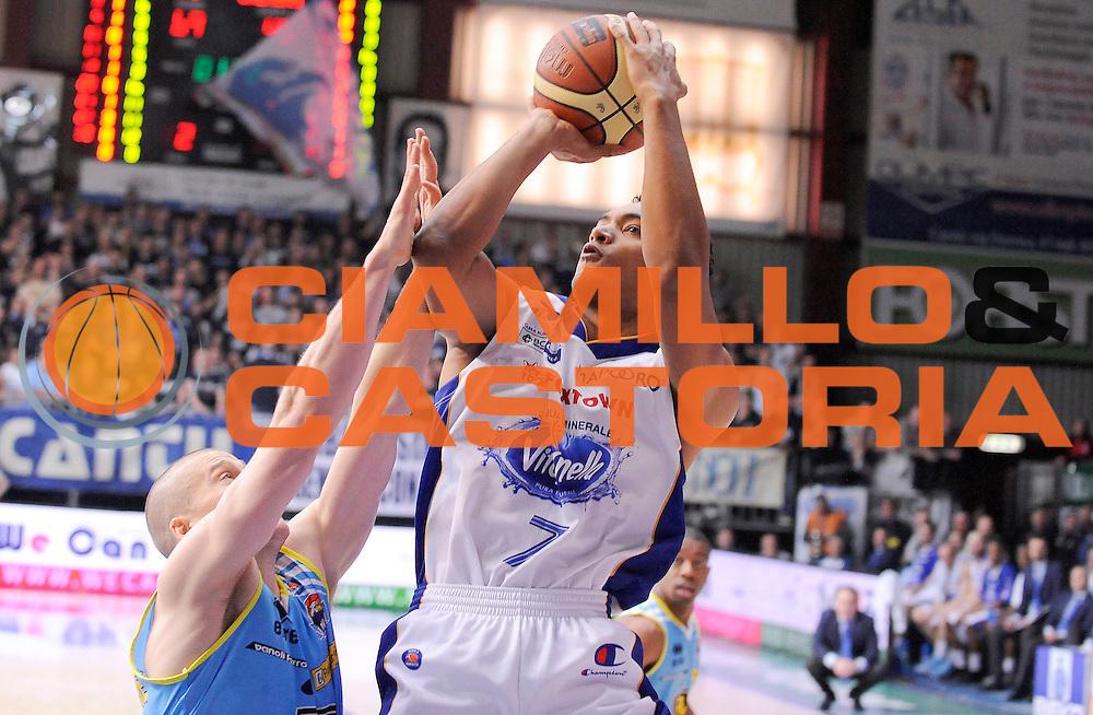 DESCRIZIONE : Cantu' Campionato Lega A 2013-14 Acqua Vitasnella Cantu' Vanoli Cremona<br /> GIOCATORE : Marcel Jones<br /> CATEGORIA : Tiro penetrazione<br /> SQUADRA : Acqua Vitasnella Cantu' <br /> EVENTO : Campionato Lega A 2013-14<br /> GARA : Acqua Vitasnella Cantu' Vanoli Cremona<br /> DATA : 02/03/2014<br /> SPORT : Pallacanestro <br /> AUTORE : Agenzia Ciamillo-Castoria/A.Giberti<br /> Galleria : Campionato Lega A 2013-14  <br /> Fotonotizia : Cantu' Campionato Lega A 2013-14 Acqua Vitasnella Cantu' Vanoli Cremona<br /> Predefinita :