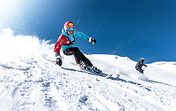 02.04.2018, Skizentrum Hochzillertal, Kaltenbach, AUT, JumpandReach Skitag, im Bild Dominik Terzer // during the Skiing Day after the Winterseason with the Austrian JumpandReach Athletes at the Skiresort Hochzillertal, Austria on 2018/04/02. EXPA Pictures © 2018, PhotoCredit: EXPA/ JFK