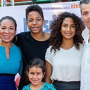 NLD/Amsterdam/20160717- Premiere Huisdiergeheimen, Nurlaila Karim, partner Muriel Wolda en kinderen Jay, Gaia, Julia