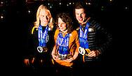 SOTSJI - (VLNR) Medaillewinnaars Jan Blokhuijsen, Sven Kramer, Sjinkie Knegt, Koen Verweij, Michel Mulder, Marrit Leenstra, Ireen Wust, Stefan Groothuis, Lotte van Beek, Jorien ter Mors, Jorrit Bergsma, Margot Boer, Jan Smeekens, Carien Kleibeuker, Ronald Mulder en Bob de Jong met hun medailles in de tuin van het Holland Heineken House tijdens de Olympische Winterspelen.