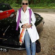 NLD/Vierhouten/20050530 - Society vrouwen rijden de BeauMonde Rally 2005, Monique des Bouvrie