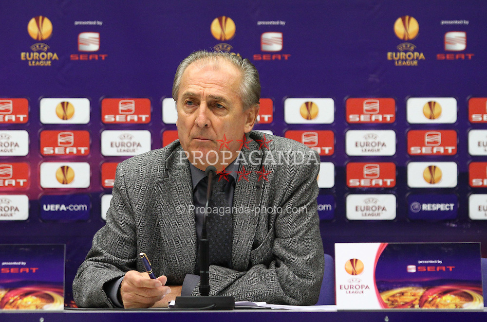 14.12.2011, Generali Arena, Wien, AUT, UEFA EL, Gruppe G, FK Austria Wien (AUT) vs Malmoe FF (SWE), im Bild Thomas Parits, (FK Austria Wien, Vorstand Sport) bei der Pressekonferenz // during the press conference of UEFA Europa League, Group F, between FK Austria Wien (AUT) and Malmoe FF (SWE) at Generali Arena, Wien, Austria on 14/12/2011. EXPA Pictures © 2011, PhotoCredit: EXPA/ T. Haumer