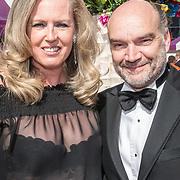 NLD/Amsterdam/20170617 - Amsterdamdiner 2017, Monique Collignon en partner Jan Henny Holvast