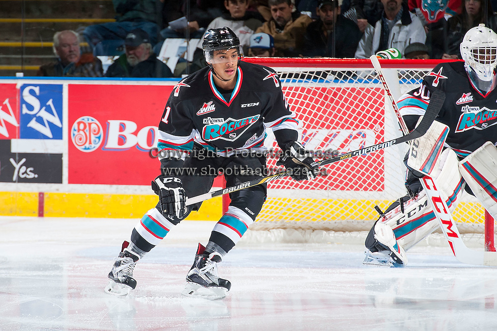 KELOWNA, CANADA - NOVEMBER 20: Devante Stephens #21 of Kelowna Rockets skates against the Edmonton Oil Kings on November 20, 2015 at Prospera Place in Kelowna, British Columbia, Canada.  (Photo by Marissa Baecker/ShoottheBreeze)  *** Local Caption *** Devante Stephens;