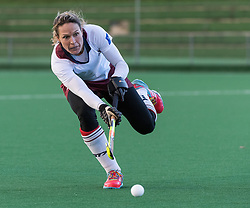 Wimbledon's Crista Cullen. Southgate v Wimbledon - Investec Women's Hockey League East Conference, Trent Park, London, UK on 25November 2017. Photo: Simon Parker