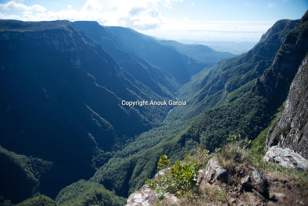 Canyon Fortaleza e vues sur la mer et la ville de Torres