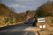 Januaria_MG, Brasil...Placa de peixaria em uma estrada em Januaria, Minas Gerais...Sign in the road in Januaria, Minas Gerais...Foto: JOAO MARCOS ROSA /  NITRO