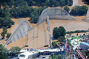 20090922  -  Atlanta, Ga : Constant rains for nearly a week saturated the metro Atlanta area including the Six Flags Over Georgia amusement park, bringing flood waters to residents' doors, closing businesses and claiming the lives of at least eight by Tuesday, September 22, 2009. Cobb, Carroll, Douglas, DeKalb, Forsyth, Fulton, and Gwinnett County schools were closed because of the floods and resulting treacherous road conditions while business and homes were under water.   David Tulis         dtulis@gmail.com    ©David Tulis 2009