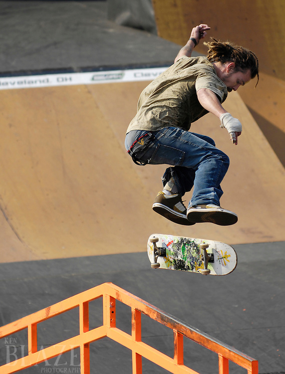 Michell Simonetto of Curitiba, Brazil competes at the AST Dew Tour Right Guard Open skate park prelims Thursday, July 17, 2008 in Cleveland, OH.