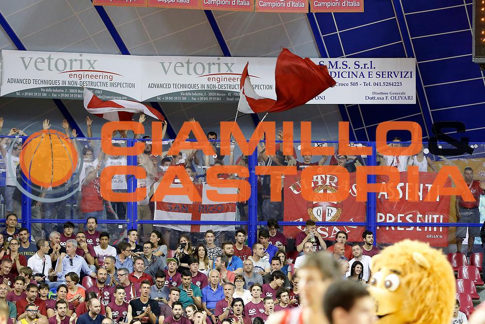 DESCRIZIONE : Venezia Lega A 2014-15 Play Off Gara2 Semifinale Umana Reyer Venezia Grissin Bon Reggio Emilia<br /> GIOCATORE : Tifosi Grissin Bon Reggio Emilia<br /> CATEGORIA : Tifosi<br /> SQUADRA : Umana Reyer Venezia Grissin Bon Reggio Emilia<br /> EVENTO : Campionato Lega A 2014-2015<br /> GARA : Umana Reyer Venezia Grissin Bon Reggio Emilia<br /> DATA : 01/06/2015<br /> SPORT : Pallacanestro <br /> AUTORE : Agenzia Ciamillo-Castoria/G. Contessa<br /> Galleria : Lega Basket A 2014-2015 <br /> Fotonotizia : Venezia Lega A 2014-15 Play Off Gara2 Semifiinale Umana Reyer Venezia Grissin Bon Reggio Emilia