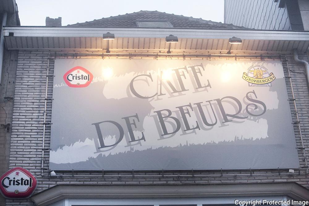 369842-Café De Beurs in slechte papieren-Grote Markt Turnhout