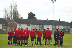 LIVERPOOL, ENGLAND - Wednesday, March 17, 2010: Liverpool's manager Rafael Benitez gives a team talk before training at Melwood Training Ground ahead of the UEFA Europa League Round of 16 2nd Leg match against LOSC Lille Metropole. (Photo by David Rawcliffe/Propaganda)