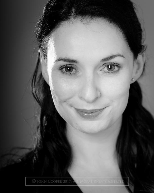Headshot of actress, Jo freer.