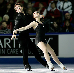 London, Ontario ---10-01-17--- Jessica Dubé and Bryce Davison skate their gala performance at the 2010 BMO Canadian Figure Skating Championships in London, Ontario, January 18, 2010. .GEOFF ROBINS/Mundo Sport Images.