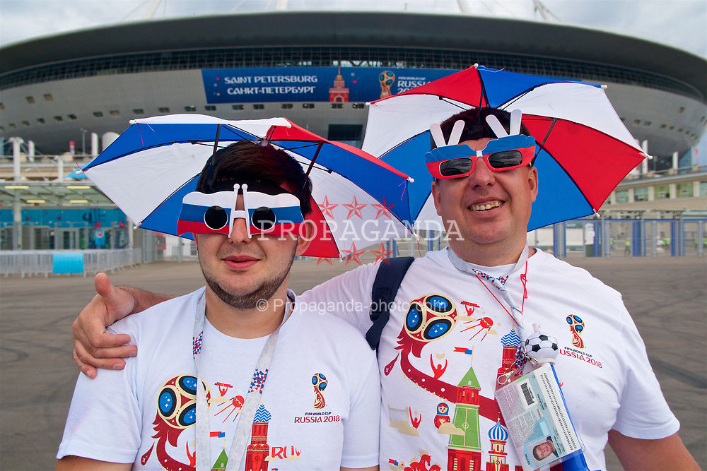SAINT PETERSBURG, RUSSIA - Sunday, June 17, 2018: Two Russia supporters wearing sunglasses during the FIFA World Cup Russia 2018 Group A match between Russia and Egypt at the Saint Petersburg Stadium. (Pic by David Rawcliffe/Propaganda)