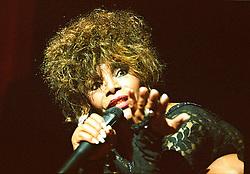 Ano 1999.A cantora Elza Soares em apresentacao no Sesc Vila Mariana/ The brazilian singer Elza Soares in  concert.Foto Adri Felden/Argosfoto