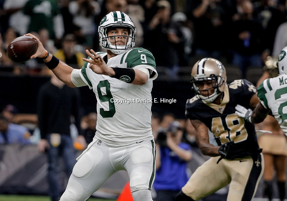 Dec 17, 2017; New Orleans, LA, USA; New York Jets quarterback Bryce Petty (9) throws against the New Orleans Saints during the first quarter at the Mercedes-Benz Superdome. Mandatory Credit: Derick E. Hingle-USA TODAY Sports