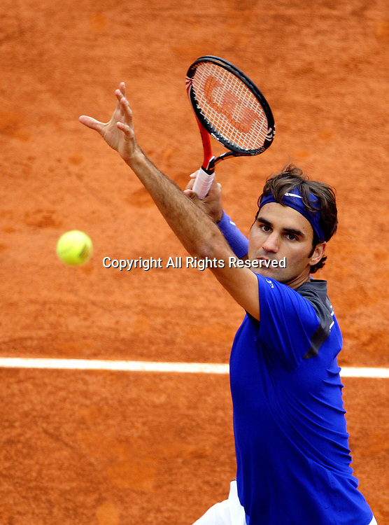 15.04.2011. Roger Federer (SUI) in his match against Jurgen  Melzer (AUT)during the quarter-final of the ATP Masters Series Tennis at the Monte Carlo Country Club on April 15, 2011 in Monte Carlo, Monaco.