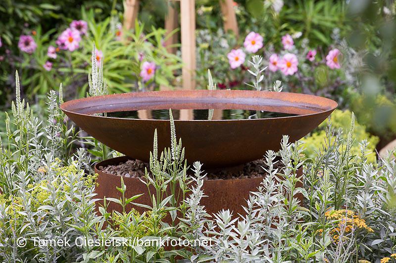 Rust effect water bowl Design: Amanda Waring and Laura Arison