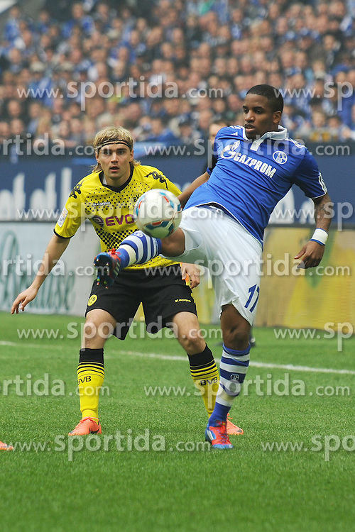 14.04.2012, Veltins Arena, Gelsenkirchen, GER, Schalke 04 vs Borussia Dortmund, 31. Spieltag, im Bild Jefferson Farfan ( rechts Schalke 04 ) im Zweikampf mit Marcel Schmelzer ( links Borussia Dortmund/ Action/ Aktion ) // during the German Bundesliga Match, 31th Round between Schalke 04 and Borussia Dortmund at the Veltins Arena, Gelsenkirchen, Germany on 2012/04/14. EXPA Pictures © 2012, PhotoCredit: EXPA/ Eibner/ Thomas Thienel..***** ATTENTION - OUT OF GER *****