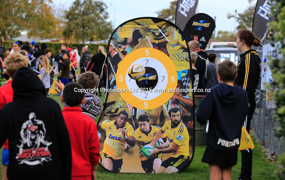 Fans, Hurricanes training at Park Island, Napier, New Zealand. Wednesday, 03 June, 2015. Photo: John Cowpland / www.photosport.co.nz
