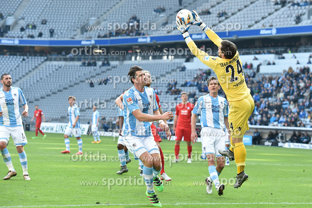 20.03.2016, Allianz Arena, Muenchen, GER, 2. FBL, TSV 1860 Muenchen vs DSC Arminia Bielefeld, 27. Runde, im Bild Jan Mauersberger (TSV 1860 Muenchen), Kai Buelow (TSV 1860 Muenchen), Stefan Ortega, Torwart (TSV 1860 Muenchen), v.li. Aktion // during the 2nd German Bundesliga 27th round match between TSV 1860 Muenchen vs DSC Arminia Bielefeld at the Allianz Arena in Muenchen, Germany on 2016/03/20. EXPA Pictures &copy; 2016, PhotoCredit: EXPA/ Eibner-Pressefoto/ Buthmann<br /> <br /> *****ATTENTION - OUT of GER*****