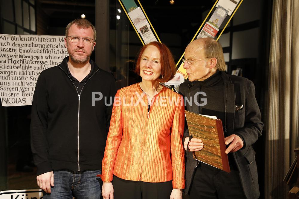 Portrait (von links): Autor Andreas Maier, Schauspielerin Ingrid Birkholz, Schauspieler Wolfgang Kaven<br /> <br /> Ort: Karlsruhe<br /> Copyright: Andreas Conradt<br /> Quelle: PubliXviewinG