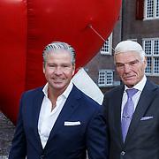 """NLD/Zeist/20131103 - CD presentatie Gordon """" Liefde overwint alles """", Dries Roelvink en manager Gunther"""