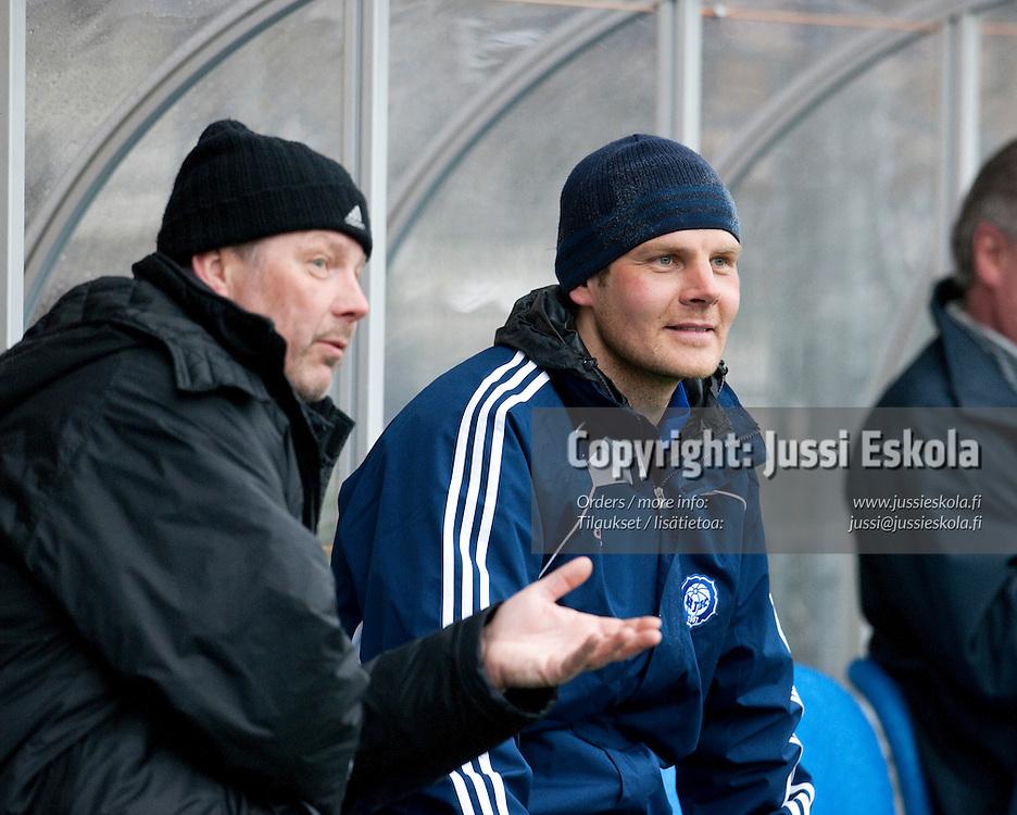 Pasi Rasimus (vas), Juho Rantala. Harjoitukset, Klubi-04 ja HJK A. Helsinki 22.4.2010. Photo: Jussi Eskola