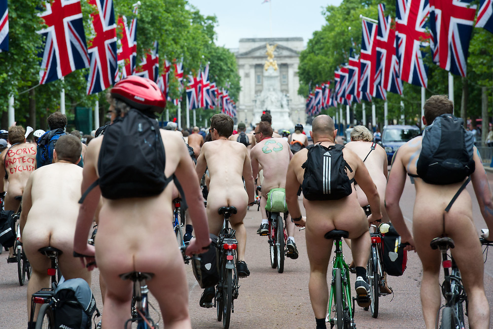 The London leg of the World Naked cycle ride starts in Hyde park, heads down Piccadilly.  Then Whitehall, westminster, Waterloo and the City before returning to Hyde Park via the Mall.