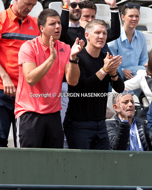 Team Ana Ivanovic (SRB) in der Spielerloge, L-R.  Fitness Trainer Zlatko Novakovic und Freund Bastian Schweinsteiger,<br /> <br /> Tennis - French Open 2015 - Grand Slam ITF / ATP / WTA -  Roland Garros - Paris -  - France  - 29 May 2015.