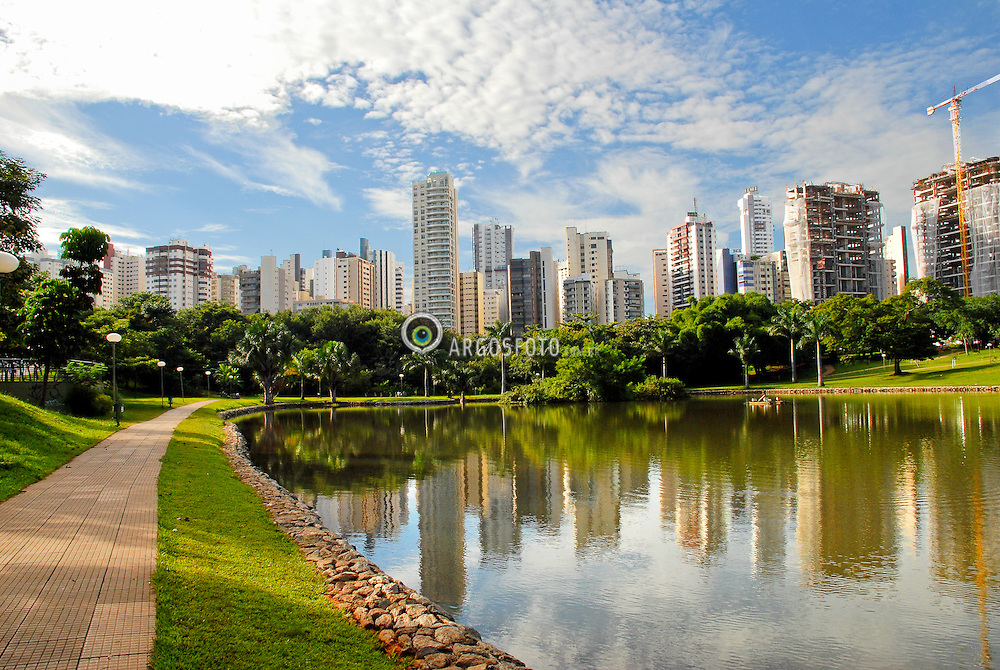 Parque Vaca Brava na cidade de Goiania. Goias / Vaca Brava Park at Goiania city. Goias state. Brazil