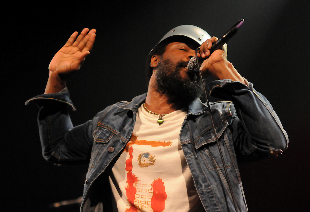 Cody Chesnutt plays a late night session at Club Soda as part of the 2014 Montreal Jazz Festival. (Cult MTL)