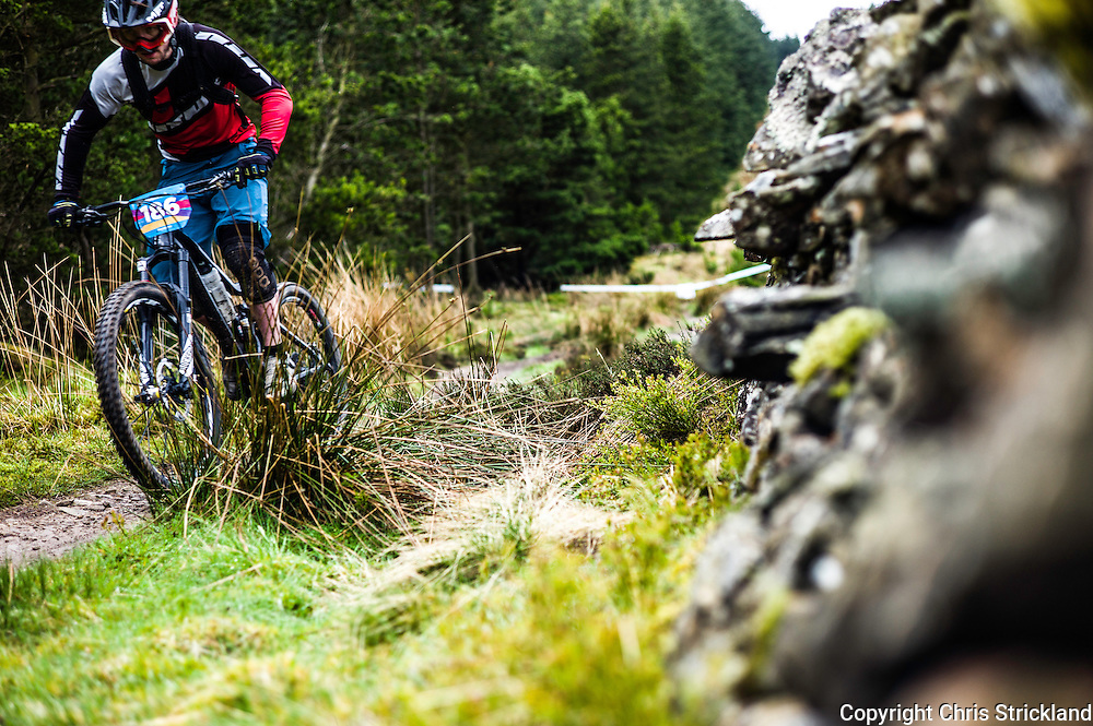 Glentress, Peebles, Tweed Valley, Scotland, UK. 21st May 2016. Mountain bikers compete in the Shimano International Enduro during Tweedlove Bike Festival in the Scottish Borders.