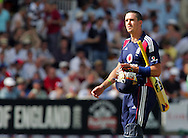 Photo © ANDREW FOSKER / SECONDS LEFT IMAGES 2008  - England's captain Kevin Pietersen (6 runs) makes the long walk back to the pavilion caught by Jacob Oram and bowled by Tim Southee -   England v New Zealand Black Caps - 5th ODI - Lord's Cricket Ground - 28/06/08 - London -  UK - All rights reserved