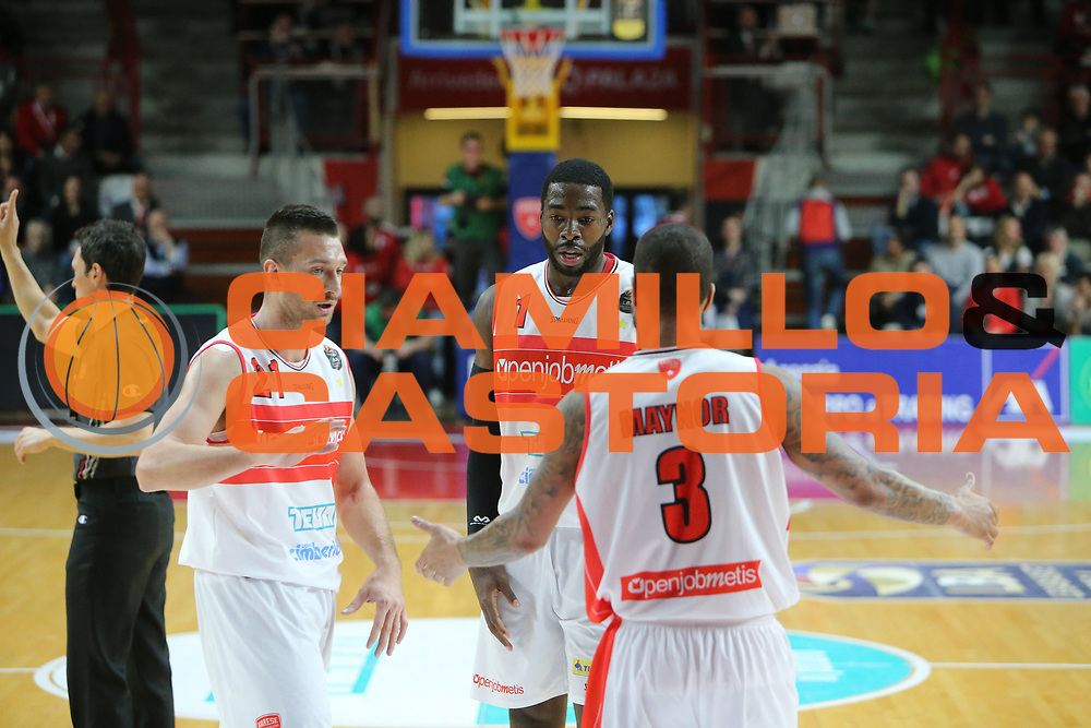 pallacanestro basket campionato 2016 2017 <br /> Varese openjobmetis Vs Pesaro :Giancarlo Ferrero ,Maynor Eric