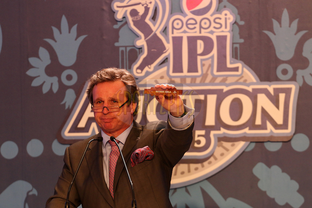 Auctioneer Richard Madley during the IPL Auction prior to season 8 of the Indian Premier League held at the ITC Gardenia Hotel in Bengaluru, Karnataka, India on the 16th February 2015<br /> <br /> Photo by Ron Gaunt / SPORTZPICS / IPL