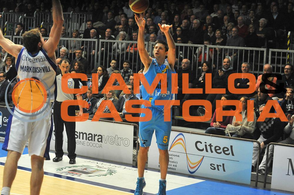 DESCRIZIONE : Cantu Lega A 2011-12 Bennet cantu Vanoli Braga Cremona<br /> GIOCATORE : Daniele Cinciarini<br /> SQUADRA :  Bennet cantu <br /> EVENTO : Campionato Lega A 2011-2012 <br /> GARA : Bennet cantu Vanoli Braga Cremona<br /> DATA : 22/01/2012<br /> CATEGORIA : Tiro<br /> SPORT : Pallacanestro <br /> AUTORE : Agenzia Ciamillo-Castoria/ L.Goria<br /> Galleria : Lega Basket A 2011-2012 <br /> Fotonotizia : Cantu Lega A 2011-12  Bennet cantu Vanoli Braga Cremona<br /> Predefinita