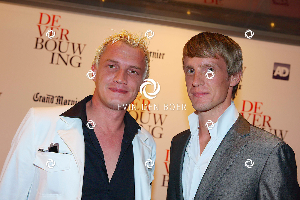 AMSTERDAM - In theater DeLamar ging de film De Verbouwing in premiere. Met op de foto Martijn van Nellestijn (l) en zijn partner Joram Pemmelaar (r). FOTO LEVIN DEN BOER - PERSFOTO.NU