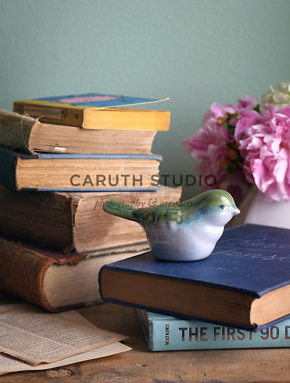 Projects made with old books: Stack of vintage books