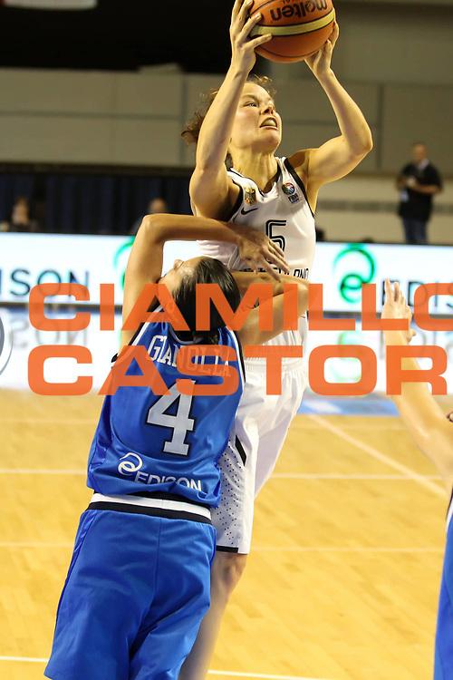 DESCRIZIONE : Taranto Torneo di qualificazione Campionati Europei donne Polonia 2011Germania Italia Germany Italy<br /> GIOCATORE : Anne Breitreiner<br /> SQUADRA : Germania Germany<br /> EVENTO : Torneo di qualificazione Campionato Europeo Donne Polonia 2011 Eurobasket Women Additional Qualifying Tournament<br /> GARA : Germania Italia Germany Italy<br /> DATA : 05/06/2011<br /> CATEGORIA : rimbalzo<br /> SPORT : Pallacanestro<br /> AUTORE : Agenzia Ciamillo-Castoria/ElioCastoria<br /> Galleria : FIP Nazionali 2011<br /> Fotonotizia :  Taranto Torneo di qualificazione Campionati Europei donne Polonia 2011 Germania Italia Germany Italy<br /> Predefinita :