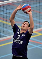 18-02-2012 VOLLEYBAL: TAUW GEMINI S - VOCASA: HILVERSUM<br /> B League heren, VoCASA wint vrij eenvoudig in Hilversum 22-25, 20-25, 22-25 / Erik Groenen<br /> ©2012-FotoHoogendoorn.nl