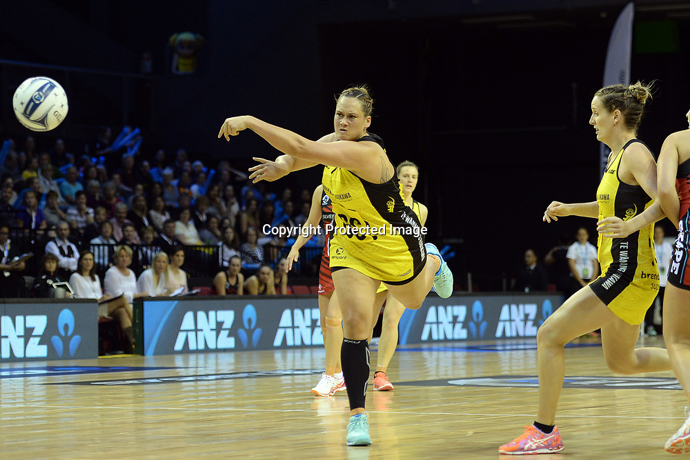 Central Pulse's Cathrine Tuivaiti in action during the ANZ Premiership Netball match between Central Pulse v Mainland Tactix, TSB Arena, Sunday 09th April 2017. Copyright Photo: Raghavan Venugopal / www.photosport.nz