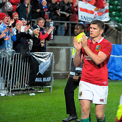 Owen Farrell thanks fans after the 2017 DHL Lions Series 2nd test rugby match between the NZ All Blacks and British & Irish Lions at Westpac Stadium in Wellington, New Zealand on Saturday, 1 July 2017. Photo: Dave Lintott / lintottphoto.co.nz