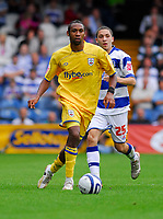 Photo: Leigh Quinnell.<br /> Queens Park Rangers v Southampton. Coca Cola Championship. 01/09/2007. Southamptons Jhon Viafara looks for the pass watched by QPRs Hogan Ephraim.