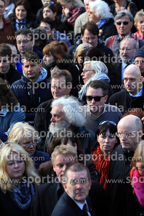 People arrive to attend the memorial service for the victims of the Germanwings plane crash held at the Cologne Cathedral in Cologne, Germany, April 17, 2015. About 1,500 people are expected to attend the memorial service held at the Cologne Cathedral on Friday. EXPA Pictures &copy; 2015, PhotoCredit: EXPA/ Photoshot/ Luo Huanhuan<br /> <br /> *****ATTENTION - for AUT, SLO, CRO, SRB, BIH, MAZ only*****