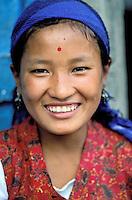 Nepal - Region du Solu Khumbu (Everest) - Jeune fille Sherpa (Sherpani)