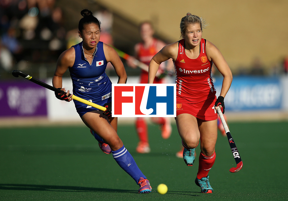 JOHANNESBURG, SOUTH AFRICA - JULY 12: Sophie Bray of England and Yu Asai of Japan battle for possession during day 3 of the FIH Hockey World League Semi Finals Pool A match between Japan and England at Wits University on July 12, 2017 in Johannesburg, South Africa. (Photo by Jan Kruger/Getty Images for FIH)